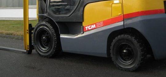 Used TCM Forklift FD25