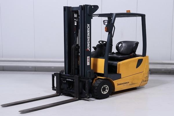 Forklift Jungheinrich Safety